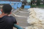 El nivel de las aguas del Yayabo aumentó considerablemente (foto: Vicente Brito).