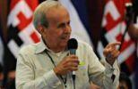 Ricardo Alarcón intercambió con colaboradores cubanos en Namibia.