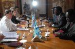 Bruno Rodríguez y su homólogo africano, Emmanuel Issoze, durante el encuentro en La Habana. (foto: AIN)