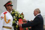 Alexander Lukashenko, colocó una ofrenda floral al Héroe Nacional cubano, José Martí.