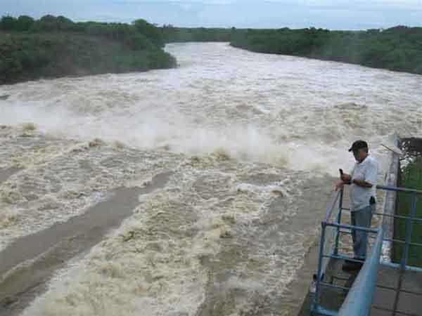 Aliviadero de la presa Zaza