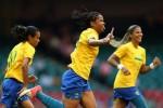 Brasil doblegó 5-0 a Camerún.