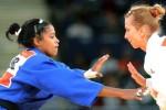 La descalificación de la yayabera dió el triunfo a la rumana Alina Dumitru, titular olímpica en Beijing 2008.