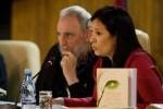 """Fidel Castro durante la presentación en La Habana del libro de memorias """"Guerrillero del tiempo"""", de Katiuska Blanco. (foto: Cubadebate)"""