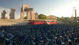 La Plaza de la Revolución Mariana Grajales ya está lista para celebrar la ceremonia. (foto: tomada de Granma)