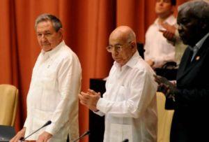 Raúl Castro preside la sesión ordinaria de la Asamblea Nacional del Poder Popular. (foto: AIN)