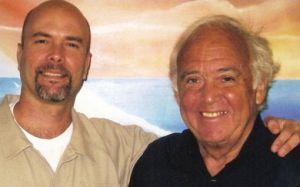 Gerardo Hernández junto al abogado Martin Garbus.