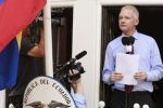 Assange habló este domingo 19 de agosto en el balcón de la Embajada de Ecuador en Londres (foto: Reuters)