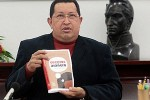 El volumen contempla 175 cuentos, ocho capítulos y 33 fotos que recorren la vida de Chávez.