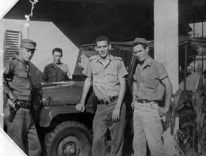 A la izquierda el primer teniente Martínez Almaguer; al fondo el sargento Fermín Sánchez; de frente, tercero a la derecha, Ponono, y Luis Arocha, ya fallecido.