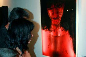 Roberto Chile se propuso llevar a Trinidad una apretadísima selección de lo mejor del arte contemporáneo.