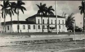 Su construcción se inició el 19 de abril de 1859 bajo la dirección del ingeniero militar Indalecio López Donato y se concluyó en 1865 según consta en el Registro de la Propiedad de Sancti Spíritus.