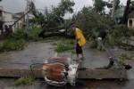 En Santiago de Cuba se reportan severos daños en el tendido eléctrico. (foto: AIN)