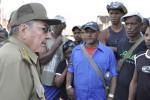 Raúl se preocupó por la situación de la población en Santiago de Cuba.