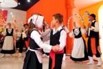 """Actuación del Grupo Portador """"Danza Isleña de Pozas""""después de recibir el reconocimiento. (foto: AIN)"""