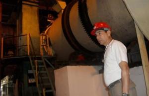 La inversión llevada a cabo en Sancti Spíritus incluyó el montaje de equipamiento recuperado en otros ingenios del país. (Foto: Juan Antonio Borrego)