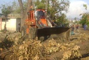 Los espirituanos retiraron más de 80 000 metros cúbicos de escombros, desechos y residuos de árboles. (foto: Noemí García)