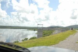 Ya la presa Dignorah puede almacenar agua a plena capacidad.