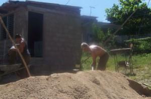 El Estado cubano subsidia la construcción de viviendas en las familias con menos ingresos.