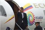 """""""Vinimos a darle un abrazo (a Chávez) en nombre de la patria ecuatoriana"""", aseguró Correa."""