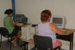 A través de los Joven Club la familia cubana accede a EcuRed.