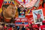 Miles de personas se concentraron frente al Palacio de Miraflores para apoyar al presidente Chávez.