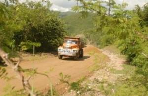 La reparación del camino de acceso a la comunidad es altamente apreciada por sus habitantes.