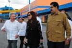 Raúl y Nicolás Maduro acudieron al aeroipuerto a despedir a la presidenta argentina.