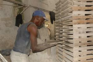 Entre los principales objetivos para el 2013 está el rescate de la producción de mosaicos.