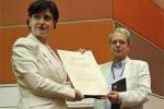 La entrega del reconocimiento tuvo lugar en el acto inaugural de la III Conferencia Internacional por el Equilibrio del Mundo.