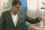 El candidato a la reelección presidencial en Ecuador ejerció temprano su derecho al voto.