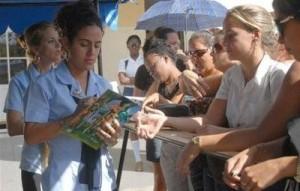 Los estudiantes constituyen el mayor público de la gran fiesta del libro en Cuba.