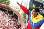 El candidato socialista a la Presidencia, Nicolás Maduro, inscribió este lunes su candidatura ante el CNE.