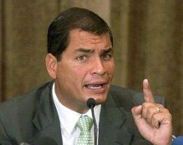 Ese bloqueo rompe todo el derecho interamericano y viola todos los derechos humanos, enfatizó Correa.