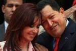6 de marzo de 2008. Chávez saluda afectuosamente a su homóloga argentina, Cristina Fernández de Kirchner, en el palacio presidencial de Miraflores, en Caracas.