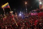 Maduro resaltó la marea roja de este cierre de campaña en Caracas.