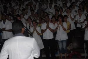 En nombre de los estudiantes venezolanos en Ciencias Médicas habló Edgar Eduardo Salvatierra narró sus vivencias.