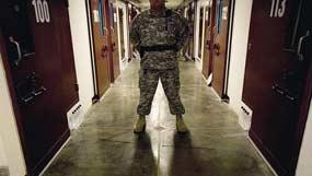 La cárcel creada por Estados Unidos en su base militar en Guantánamo es escenario de una extendida huelga de hambre.
