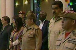 Raúl  dialogó en el recinto con el presidente venezolano Nicolás Maduro y con máximos representantes de la nación bolivariana.
