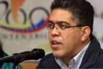 """Juan lamentó """"profundamente, que el presidente Santos haya dado un paso para un descarrilamiento de las buenas relaciones"""" que tenía con Venezuela."""