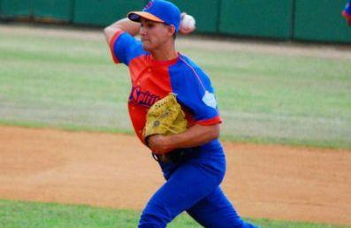 lanzador Norge Luis Ruiz