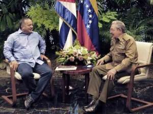 Diosdado Cabello y Raúl Castro en Cuba