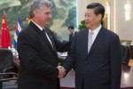 El Primer Vicepresidente cubano Miguel Díaz-Canel fue recibido en China por el presidente Xi Jinping.