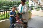 La atención a los niños discapacitados se realiza a través de equipos interdisciplinarios.