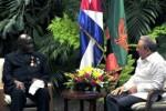 Raúl y Kaunda evocaron hitos de las relaciones históricas cubano-africanas.