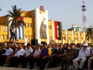 El presidente Raúl Castro, acompañado por mandatarios de América Latina y el Caribe, preside el Acto Central por el Día de la Rebeldía Nacional.