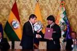 Correa y Evo Morales asistieron a la firma de acuerdos bilaterales.