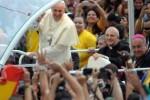 Miles de fieles le ofrecieron en Brasil un grato recibimiento.