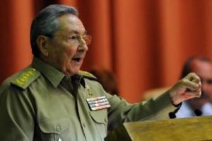 Raúl llamó al pueblo a sumarse a la batalla contra las indisciplinas sociales.