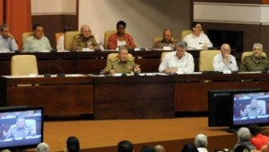 Raúl interviene minutos después del comienzo del segundo día sesiones de la Asamblea Nacional de Poder Popular.